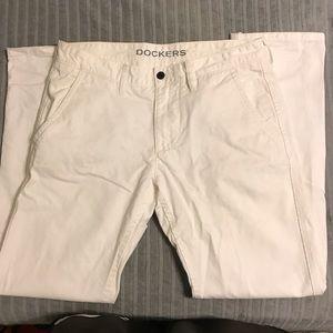 34W' 32 White Dockers Pants